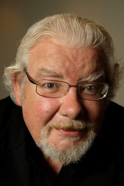"Actor Richard Griffiths poses for a photograph in New York, in this Wednesday, June 18, 2008 file photo. Griffiths, the British actor who played the boy wizard's unsympathetic Uncle Vernon in the ""Harry Potter"" movies, has died. He was 65. Agent Simon Beresford announced Friday March 28 2013 that Griffiths died Thursday of complications following heart surgery at University Hospital of Coventry in central England. (AP Photo/Kathy Willens, file)"