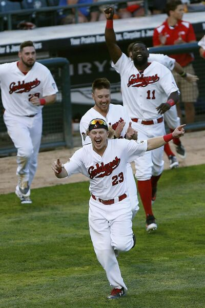 JOHN WOODS / WINNIPEG FREE PRESS</p><p>Goldeyes celebrate a 3-1 series win over the Lincoln Saltdogs.</p>