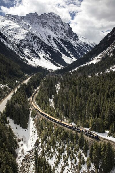 ROCKY MOUNTAINEER</p><p>The Rocky Mountaineer passes through Stoney Creek on its journey to Banff.</p>