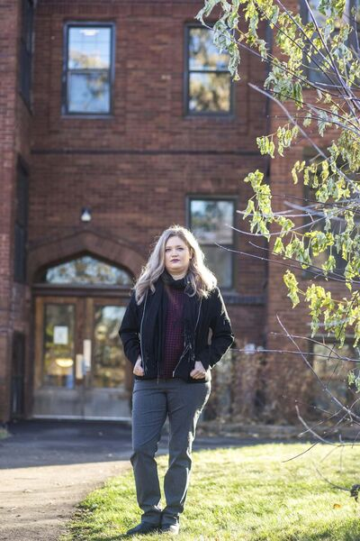 MIKAELA MACKENZIE / WINNIPEG FREE PRESS</p><p>Lindsey Mazur poses for a portrait in front of her Wolseley apartment building in Winnipeg on Wednesday, Nov. 4, 2020. Massive rent increases are leaving some scrambling. For Malak story.</p><p>Winnipeg Free Press 2020</p>