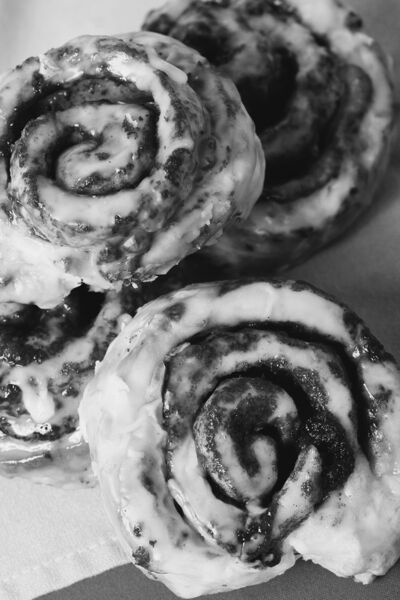 Making your own cinnamon buns is a snap with the right recipe in hand.