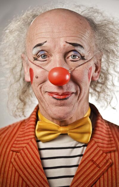 Leif Norman photos</p><p>Stavechny's transformation to clown .</p>