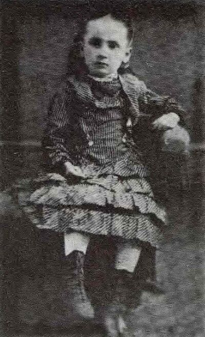 Nellie Letitia Mooney at age 5.  She was born near Chatworth, Ont., in 1873 and came to Manitoba in 1880.  (McMullen, M J G. Souvenir Photo / Supplied)