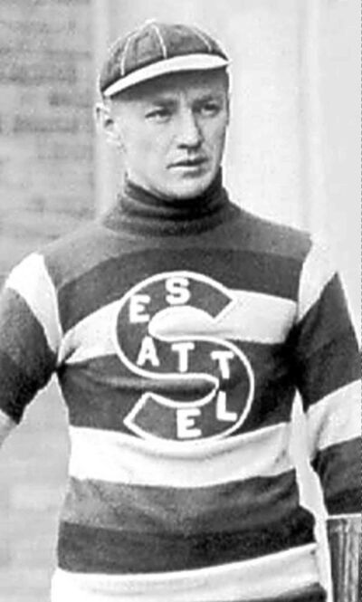 Cully Wilson as a member of the       Seattle Metropolitans.