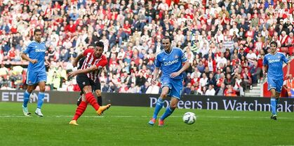 Southampton's Graziano Pelle scores his second goal during their English Premier League soccer match against Sunderland at St. Mary's Stadium, Southampton, England, Saturday, Oct. 18, 2014. (AP Photo/Chris Ison, PA Wire) UNITED KINGDOM OUT - NO SALES - NO ARCHIVES