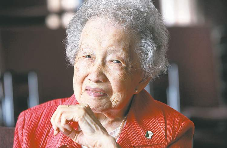 Ruth Bonneville / Winnipeg Free Press Winifred �Winnie� Paktong was the first Chinese Canadian born in Winnipeg. She celebrated her 100th birthday this year.