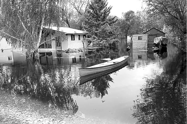 WAYNE GLOWACKI / winnipeg free press Just over a year ago, the same area was devastated by flooding from Lake Manitoba due to high winds.