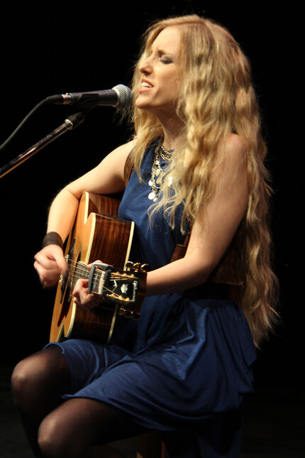 Singer-songwriter Cat Jahnke