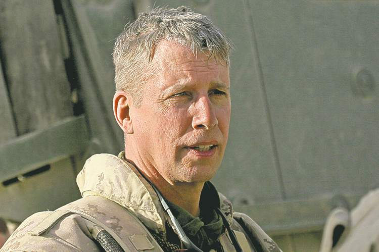 Former army commander Andrew Leslie recommended a leaner HQ operation.