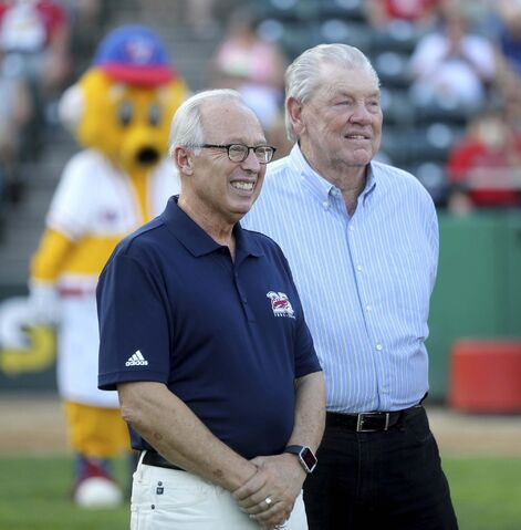 TREVOR HAGAN / WINNIPEG FREE PRESS files</p><p>Goldeyes owner Sam Katz with former manager Hal Lanier at a ceremony honouring Lanier in 2018. </p>