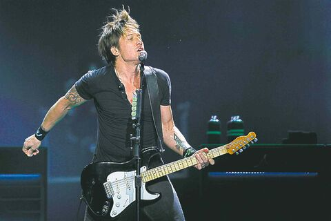 January 20, 2014 - 140120  -  Keith Urban performs at MTS Centre in Winnipeg Monday, January 20, 2014. John Woods / Winnipeg Free Press