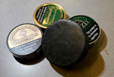 One per cent of Canadians currently use smokeless tobacco, but 16 per cent of Canadians between the ages of 15 and 19 are users.  In one study, more than half of hockey and football athletes between the ages of 12 and 21 said they used it.