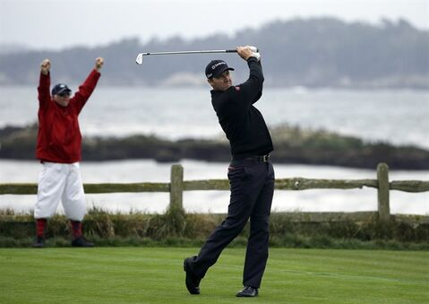 Jimmy Walker hits off the 18th tee, Sunday, Feb. 9, 2014, during the final round of the AT&T Pebble Beach Pro-Am golf tournament in Pebble Beach, Calif. (AP Photo/Ben Margot)