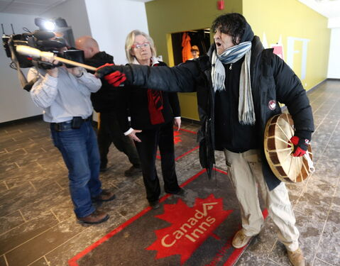 Idle No More protesters disrupted the start of the Liberal debate at the Metropolitan Theatre, Saturday.