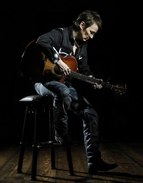 Gauthier's songs have earned praise from the likes of Bob Dylan and Tom Waits.