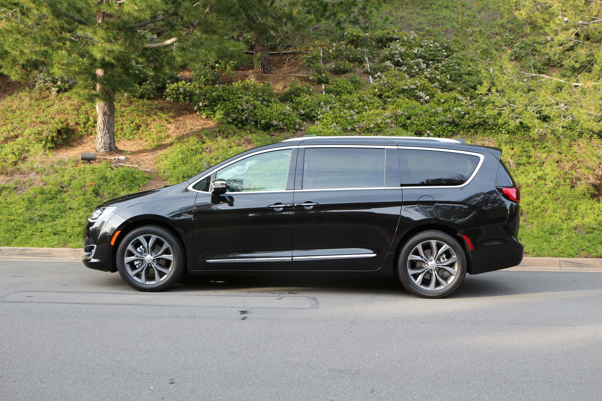 HARRY PEGG / WINNIPEG FREE PRESSThe 2017 Chrysler Pacifica replaces the automaker's Town & Country van.