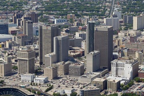 Downtown Winnipeg   July 3, 2012  (BORIS MINKEVICH / WINNIPEG FREE PRESS)
