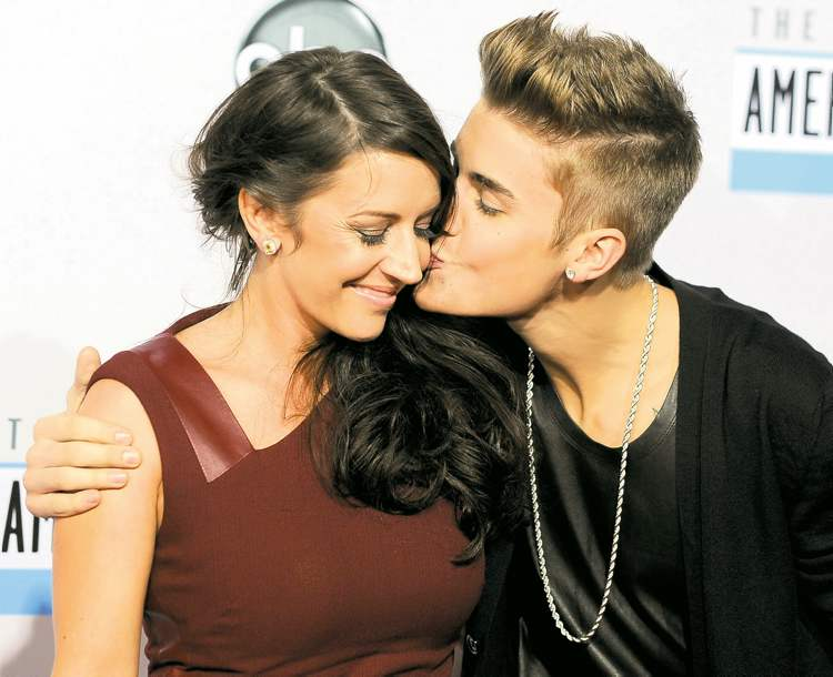 Justin Biebers Mom Pattie Mallette Seen Here With Her Son At The American Music
