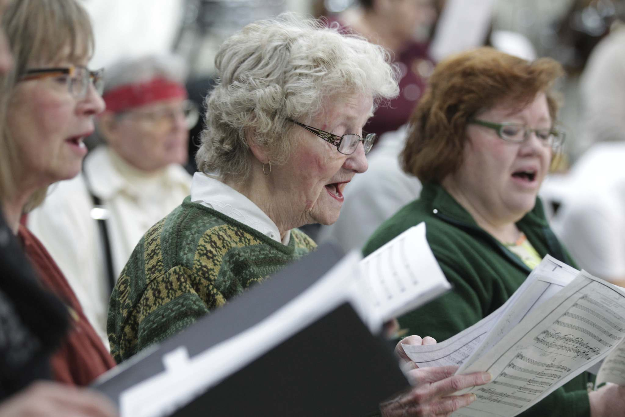 RUTH BONNEVILLE / WINNIPEG FREE PRESS</p><p>Marilyne Reader (centre) has lived in Flin Flon since she was born here in 1935 and still sings with the community choir. </p>