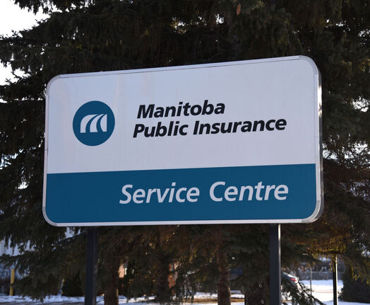 Manitoba insurance brokers will receive a commission from all online Autopac renewals when modernized service delivery becomes available in 2023. (Bud Robertson / The Brandon Sun files)