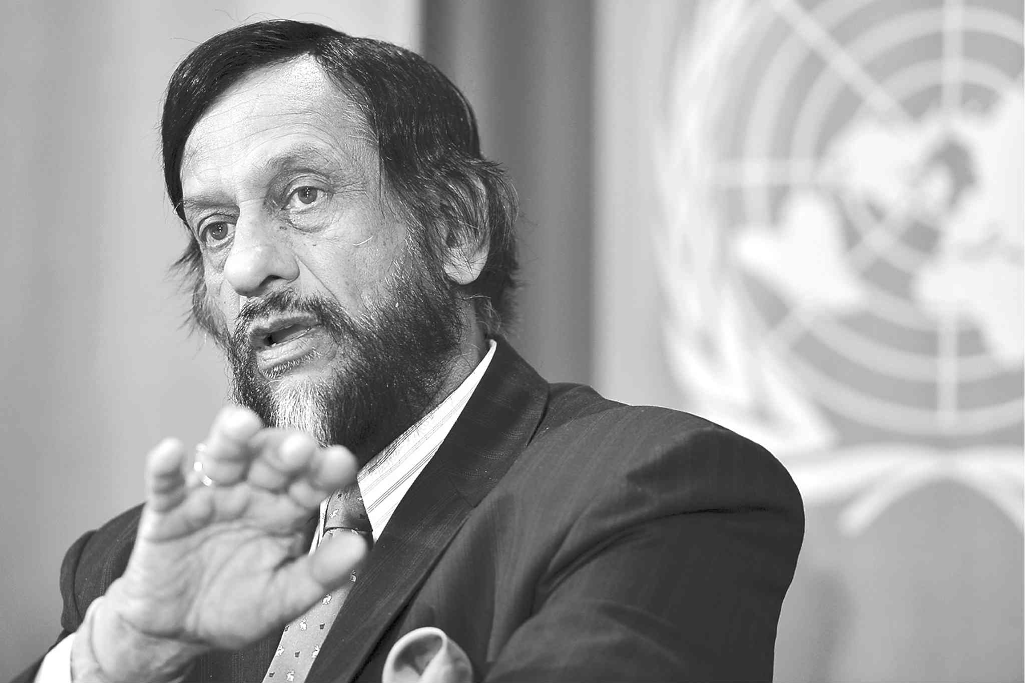 Rajendra Kumar Pachauri, chairman of the intergovernmental panel on climate change, briefs the media.