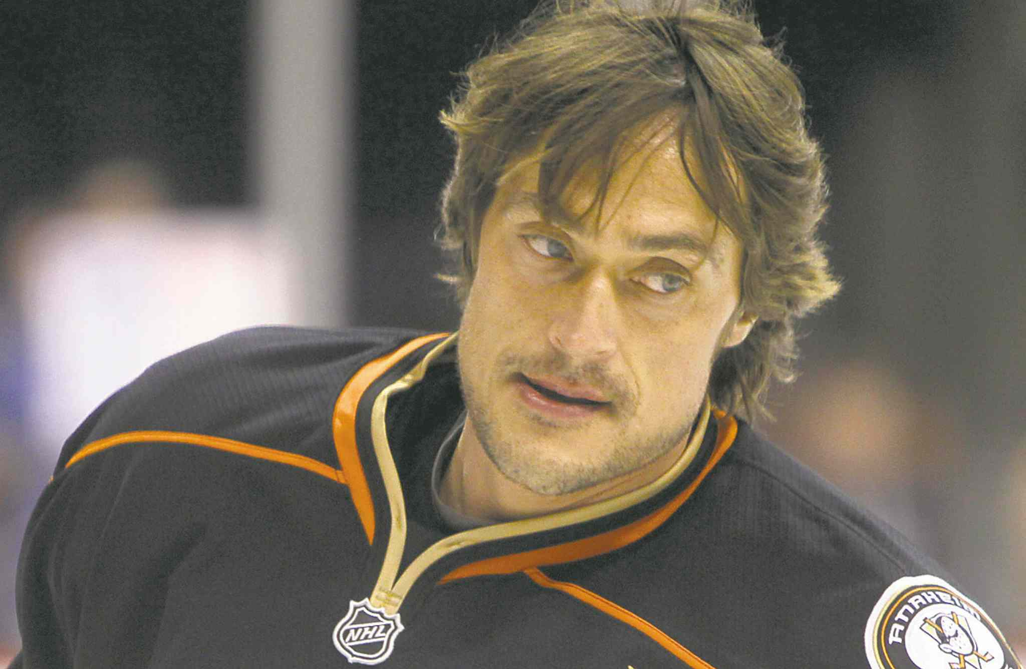 Anaheim Ducks' Teemu Selanne (8) skates during warm up as they prepare to face off against the Winnipeg Jets' at MTS Centre, December 17, 2011.