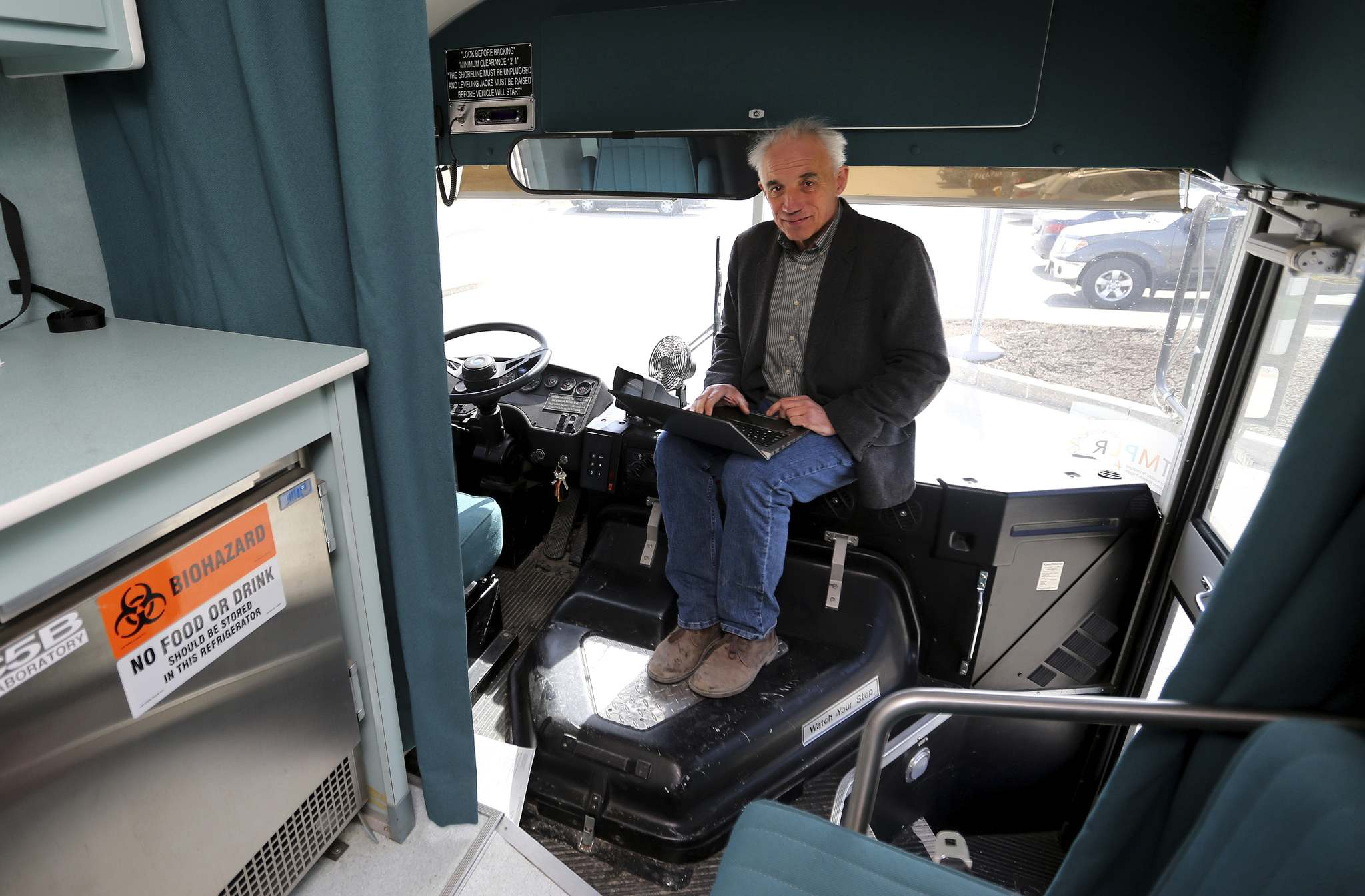 TREVOR HAGAN / WINNIPEG FREE PRESS</p><p>Peter Jones inside the Mobile Nutrition Testing Laboratory.</p>