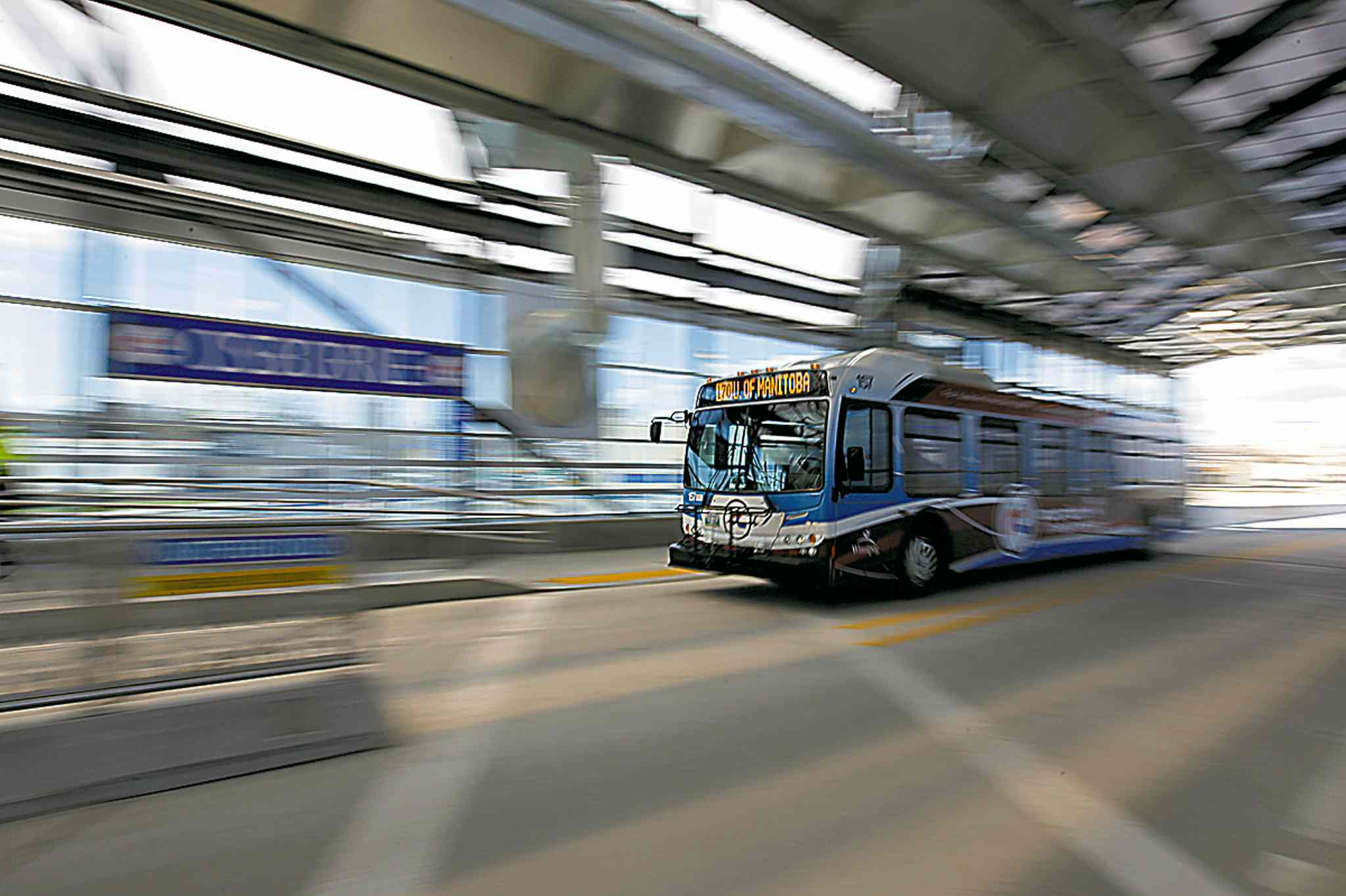 April 8, 2012 - 120408  -  Winnipeggers use the new rapid transit route that opened up today Sunday April 8, 2012.    John Woods / Winnipeg Free Press