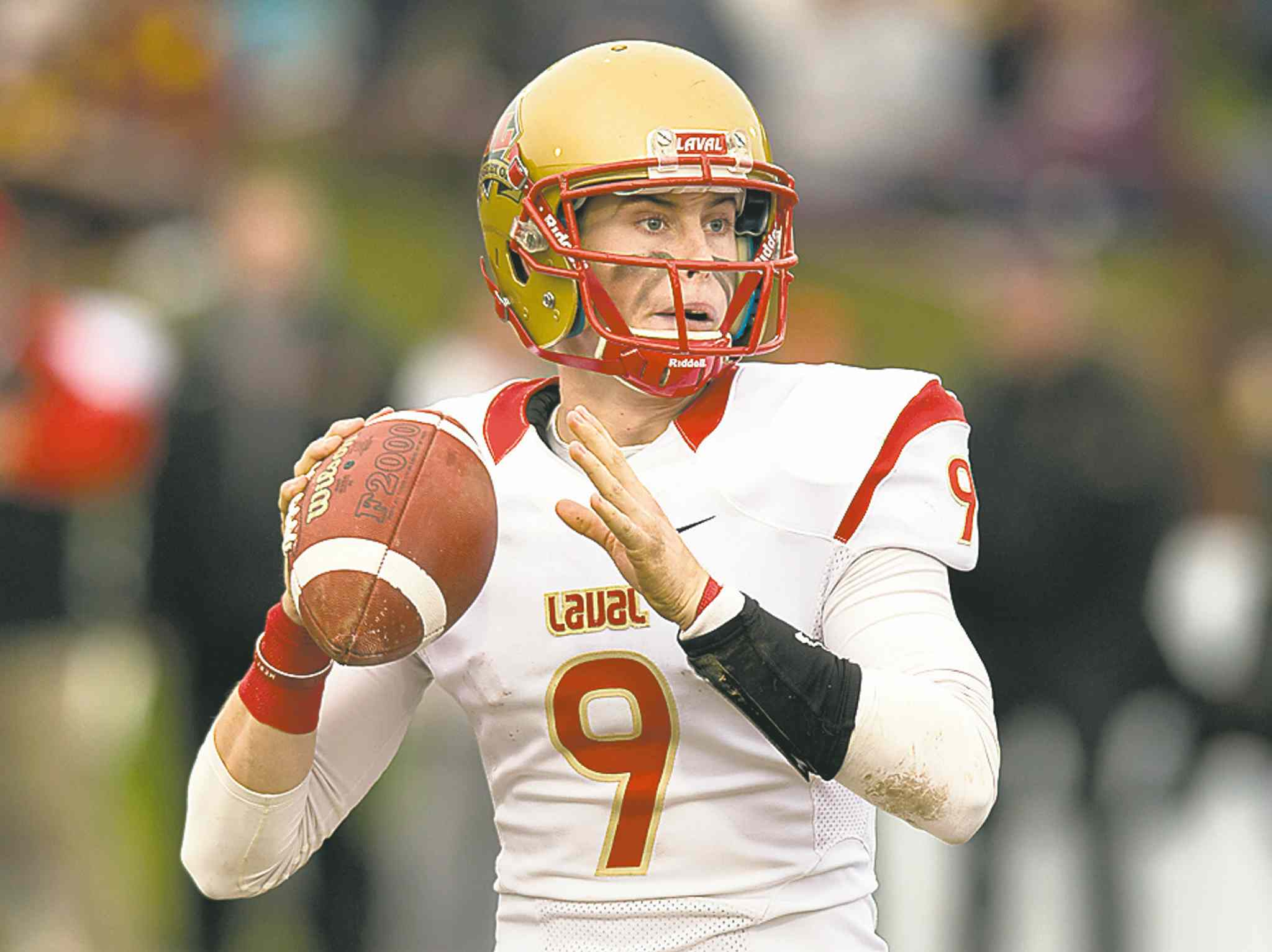 Laval quarterback Alex Skinner threw two TD passes against Mount Allison.