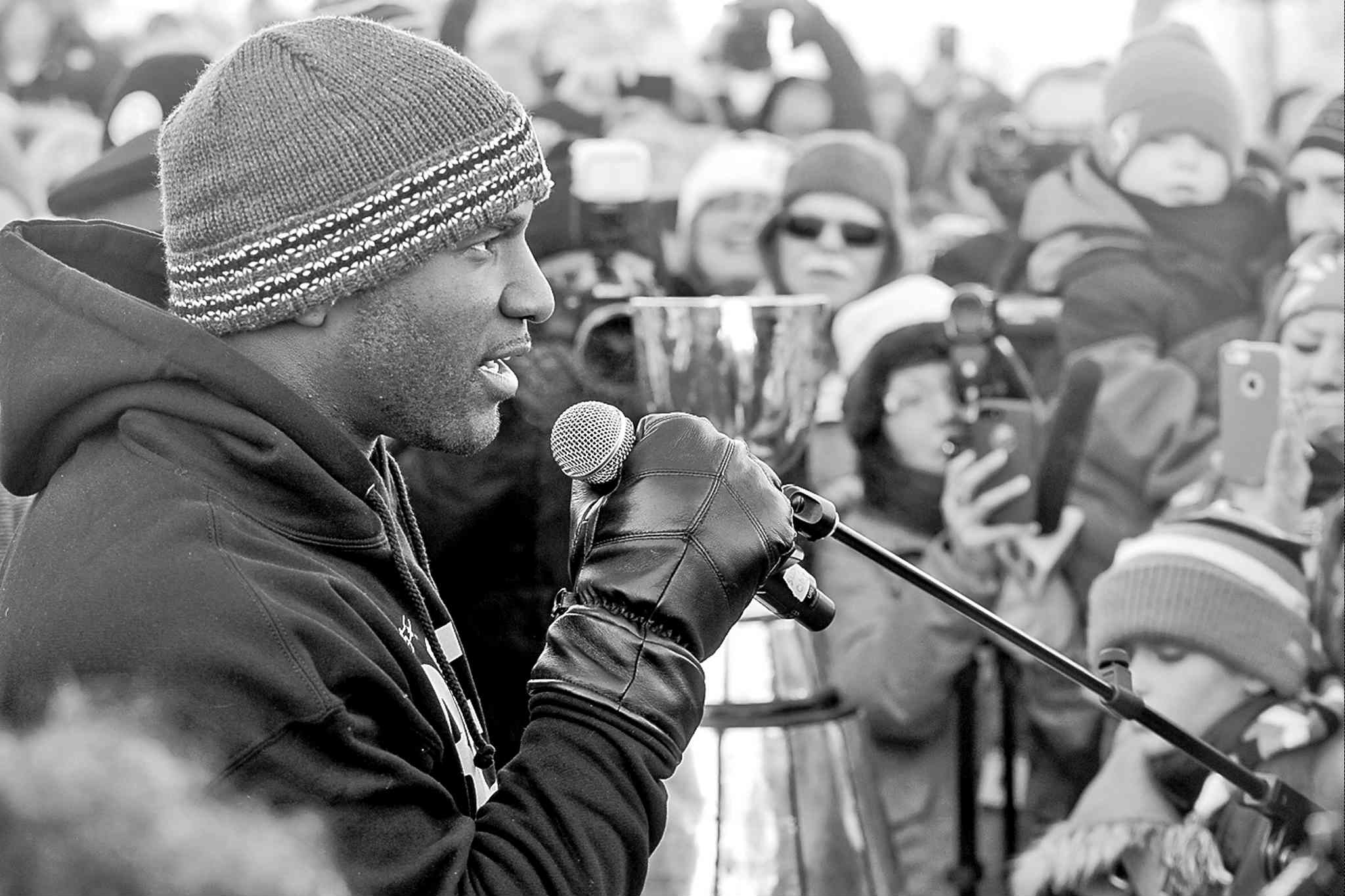 Saskatchewan Roughriders quarterback Darian Durant addresses the cheering throngs in Regina on Tuesday.