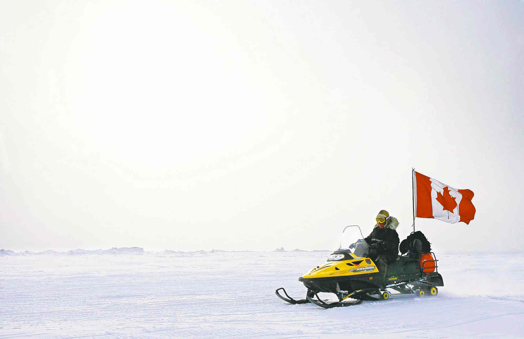 Canada says it will try to extend its territorial claims in the Arctic to include the North Pole, although it will face major diplomatic hurdles.