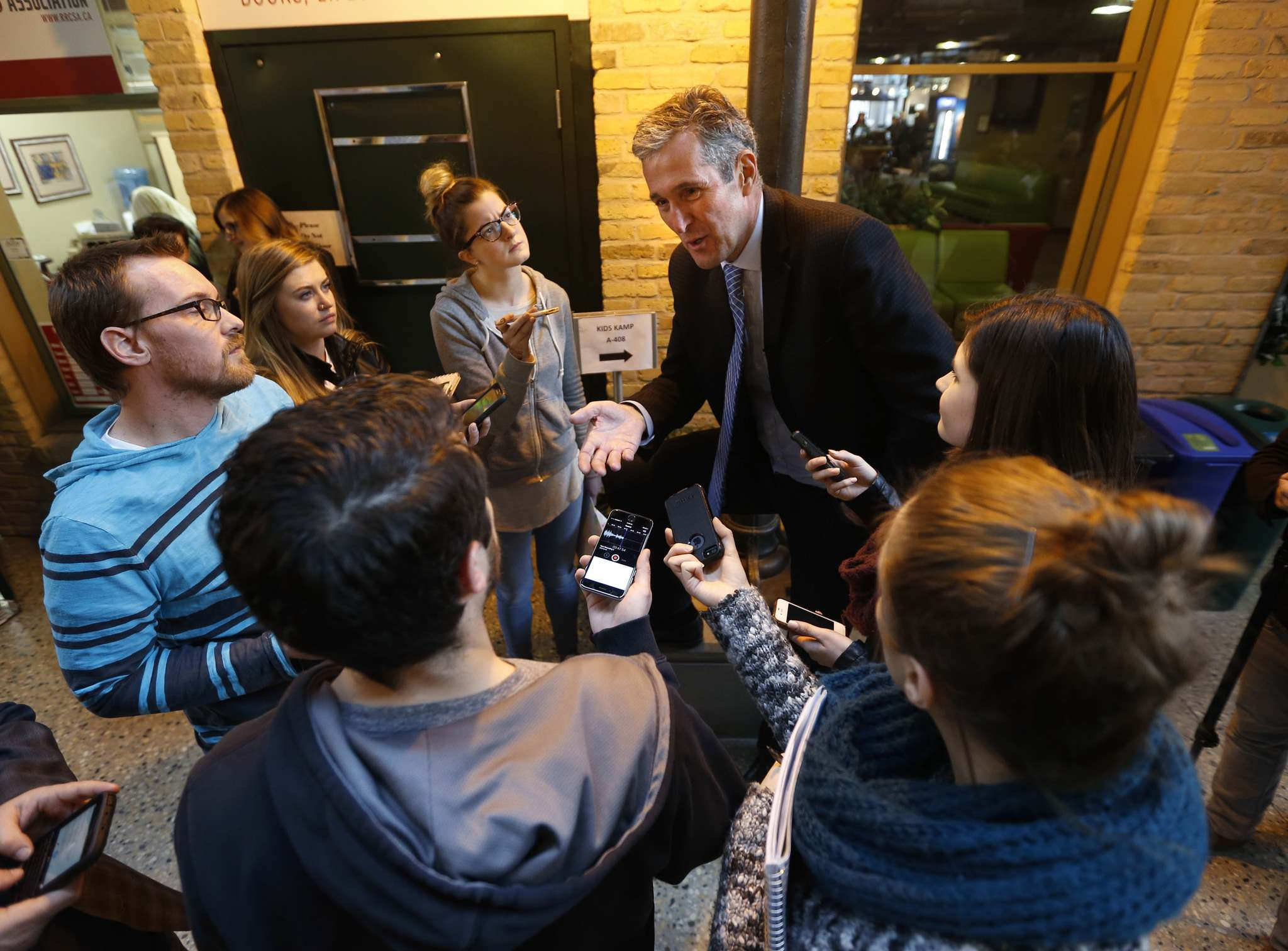 WAYNE GLOWACKI / WINNIPEG FREE PRESS</p><p>Red River College journalism students interview Brian Pallister. Pallister is known to possess a hard-edged public persona, but the Tory leader has shown a more relaxed side on the campaign trail.</p></p>