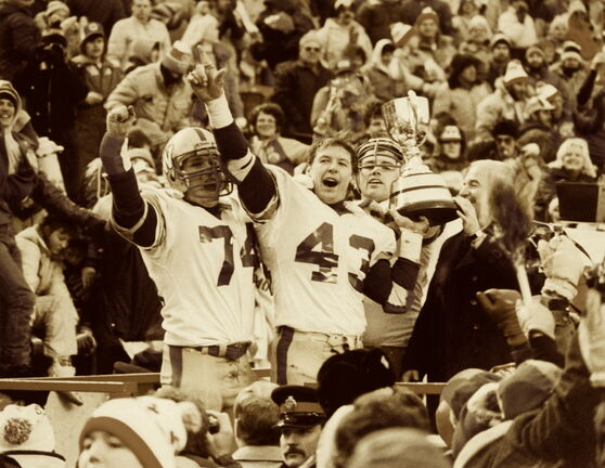 Winnipeg Blue Bombers players celebrate winnipeg the 1984 Grey Cup.