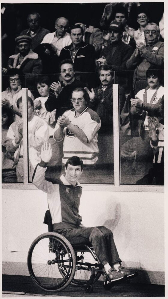 Rick Hansen gets a standing ovation at the old Winnipeg Arena during a Winnipeg Jets game. The Jets played the Edmonton Oilers and lost 5-3 ending a seven game winning streak. Phil Hossack / Winnipeg Free Press Archives January 21, 1987