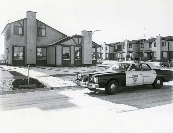 KEN GIGLIOTTI / WINNIPEG FREE PRESS Winnipeg Police outside 114 Kinver after a woman was found stabbed and beaten in the basement of the vacant Tyndall Park home November 16, 1979. Winnipeg held a press conference June 14, 2016, asking the public for more information.</p>
