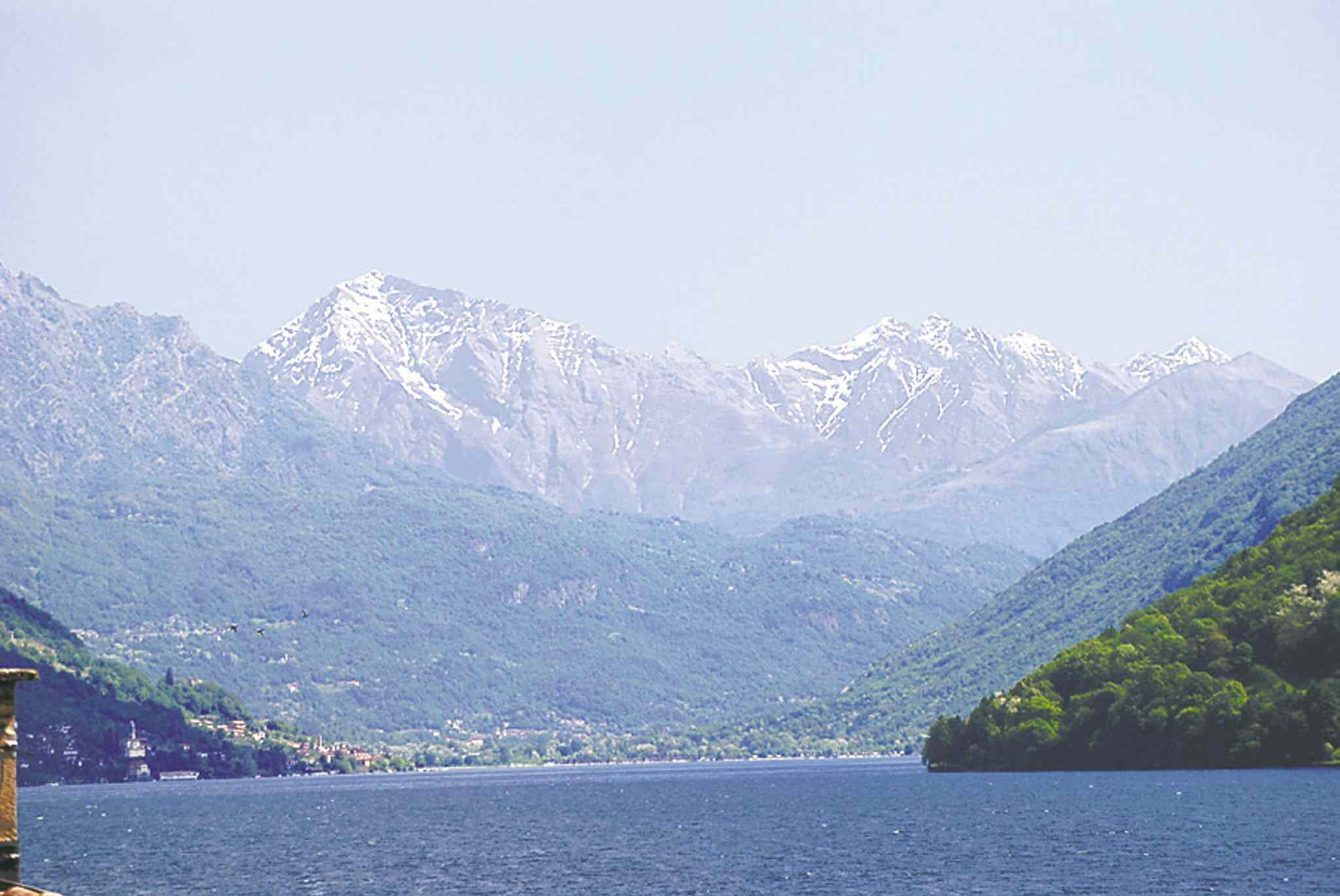 It is the sights and history of the major countries like Switzerland that are still attracting worldwide visitors.