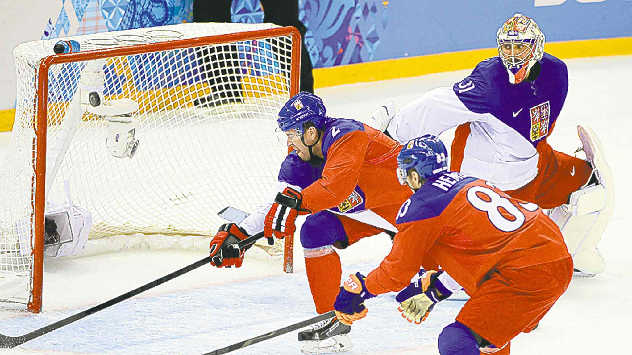 A shot by USA forward Dustin Brown beats Czech Republic goaltender Ondrej Pavelec in a quarter-final game in Sochi on Wednesday.
