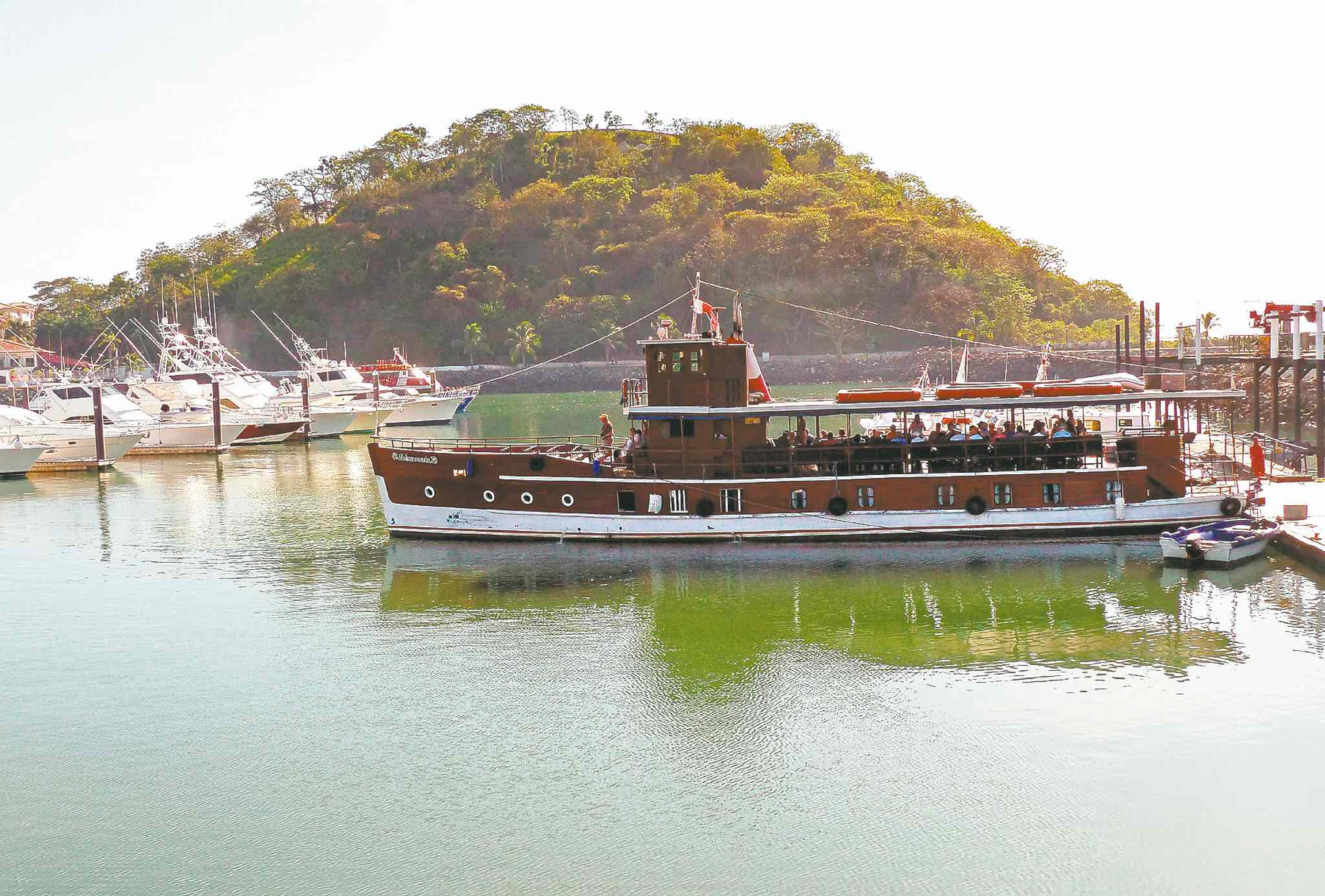 The Isla Morada, which belonged to the famous U.S. Mafioso Al Capone, prepares to weigh anchor in Panama City.