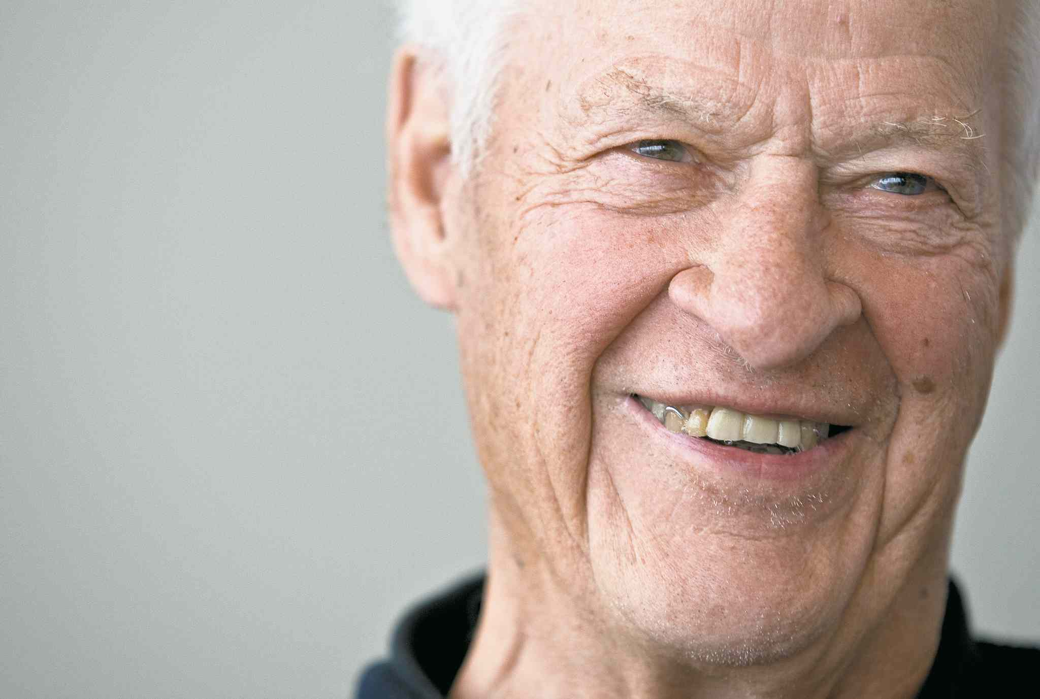 At 86 and slowed by dementia, Gordie Howe rarely sits still for his children.