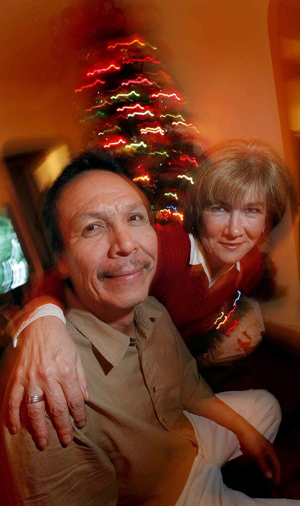 December 14, 2009: Marion Willis in her home with Faron Hall, who spent that Christmas with Marion and her husband Robert.  (PHIL HOSSACK / WINNIPEG FREE PRESS files)