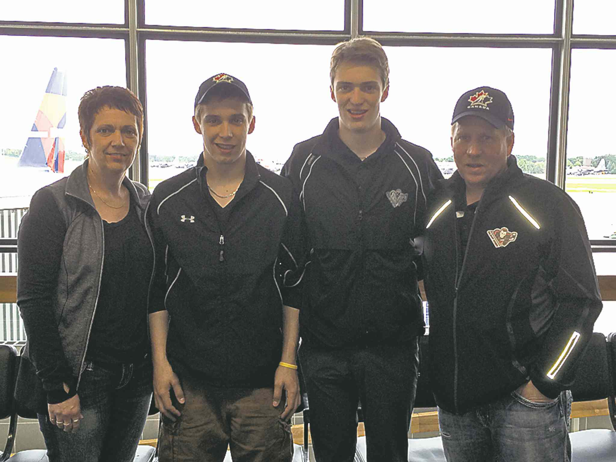 The Sanheim contingent arrived in Philadelphia Wednesday with mom Shelly (from left), twin brother Taylor, Travis and dad Kent on hand.
