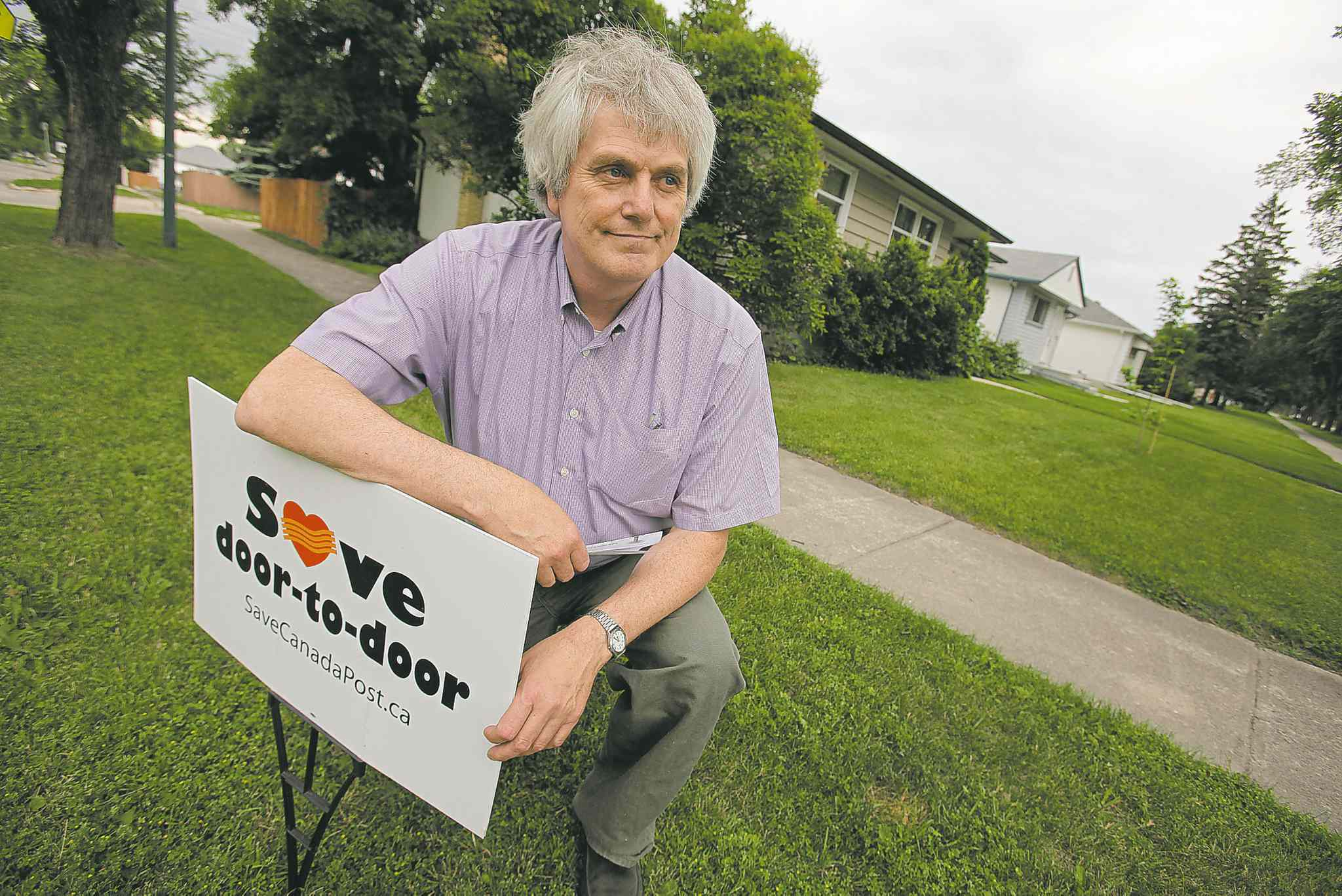 John Woods / Winnipeg Free PressGlen Michalchuk on Hartford Avenue is against the community mailboxes and doesn�t believe they will save money.