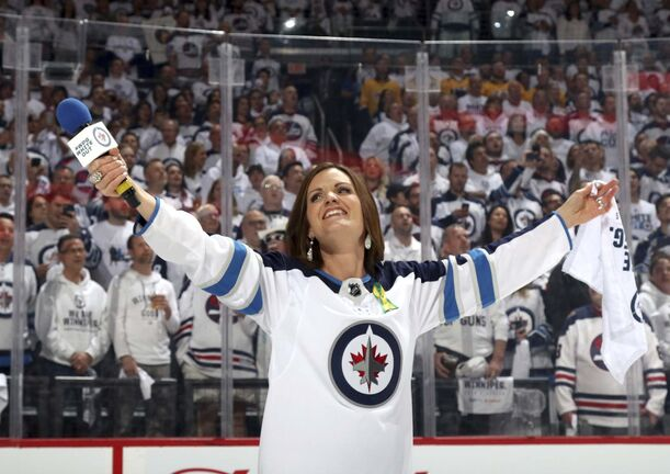 Jets anthem singer Stacey Nattrass says she appreciates the Bell MTS Centre crowd's enthusiasm as she belts out <em>O Canada</em> prior to the Jets' playoff games this post-season. (Jonathan Kozub / NHL via Getty Images files)</p></p></p>