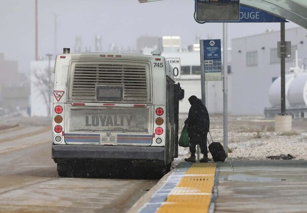 RUTH BONNEVILLE / WINNIPEG FREE PRESS FILES</p><p>Some Winnipeg transit customers say problems with the city's transit network should be resolved before the city looks to award a contract to review regional transportation to Winnipeg.</p>