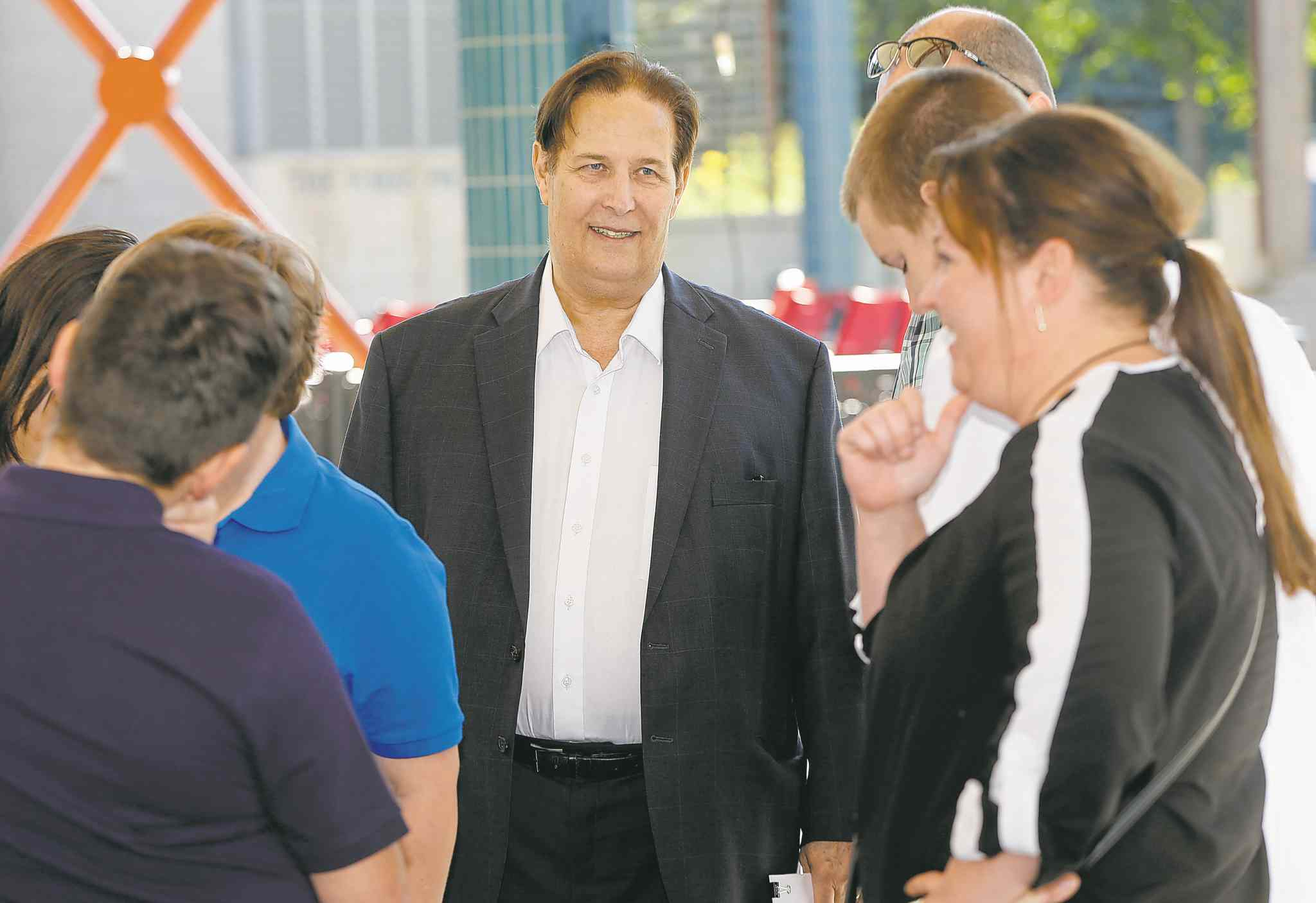 Mayor Candidate David Sanders talks to supporters after he  lays out his election platform . Aldo Santin story .SEPT  2 2014 / KEN GIGLIOTTI / WINNIPEG FREE PRESS
