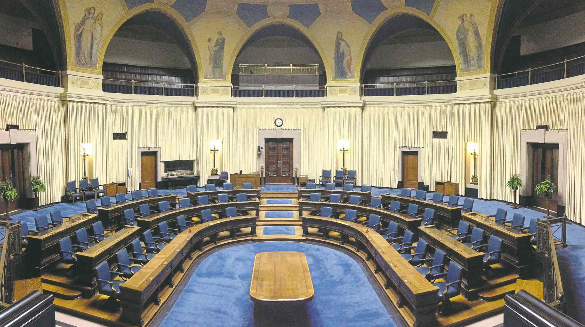 Bruce Owen / Winnipeg Free PressPoliticians normally return to the legislature in mid-November for a throne speech. So far, there�s been no indication that will happen.