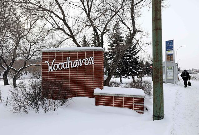 RUTH BONNEVILLE / WINNIPEG FREE PRESS The Woodhaven Boulevard brick gate on west side of Woodhaven Blvd. at Portage Ave.