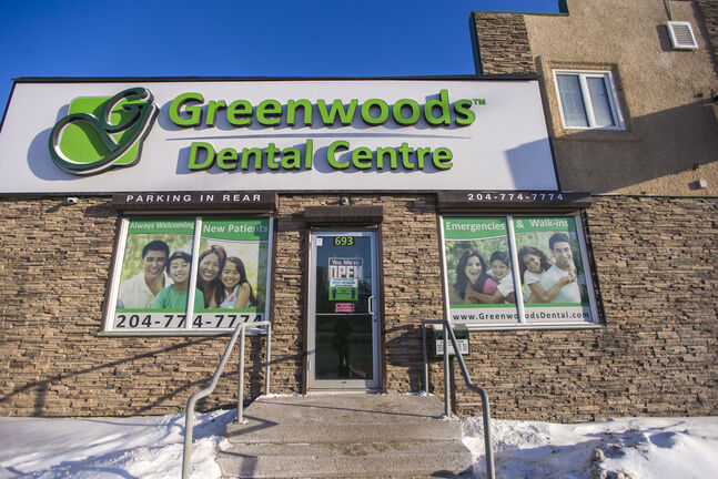 A lawsuit filed last week by Greenwoods Dental Centre alleges a patient posted a review claiming she developed an infection after staff used dirty instruments during a root canal and had to be hospitalized. (Mikaela MacKenzie / Winnipeg Free Press)