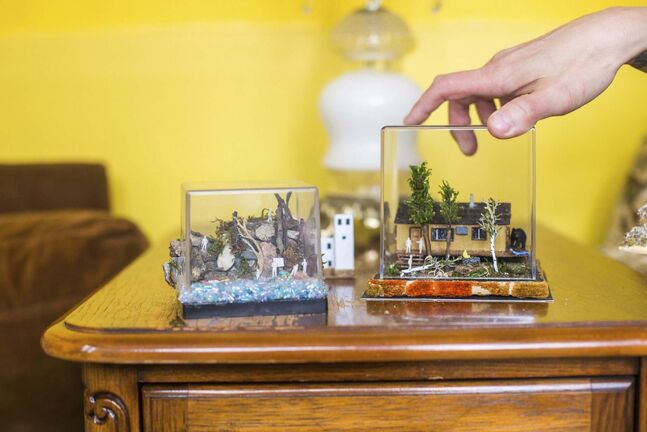MIKAELA MACKENZIE / WINNIPEG FREE PRESS</p><p>The finished pieces are encased in a square of clear acrylic for display.</p></p>