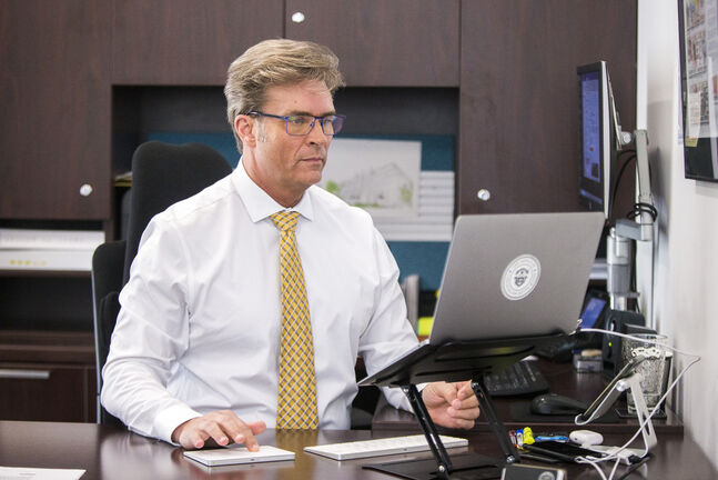 Coun. Kevin Klein would like people to have to show proof of vaccination to enter city facilities. (Mikaela MacKenzie / Winnipeg Free Press files)    Winnipeg Free Press 2021